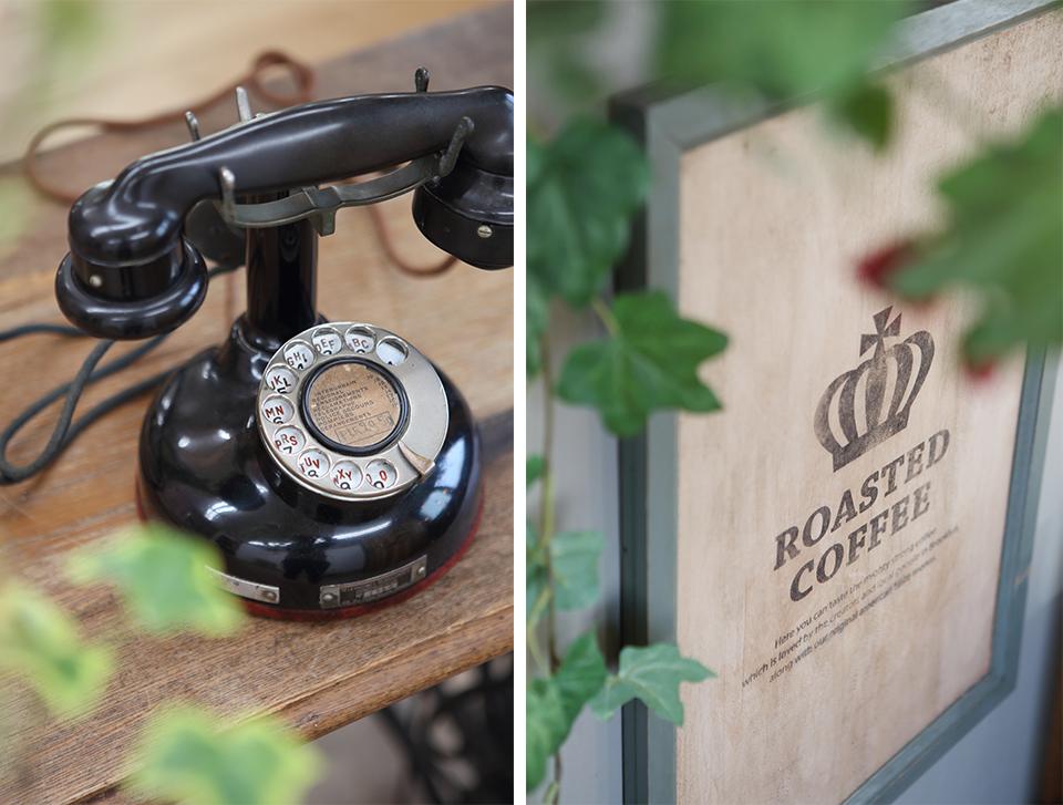 パリのアンティーク電話