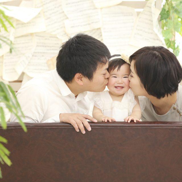 可愛い家族写真を撮影